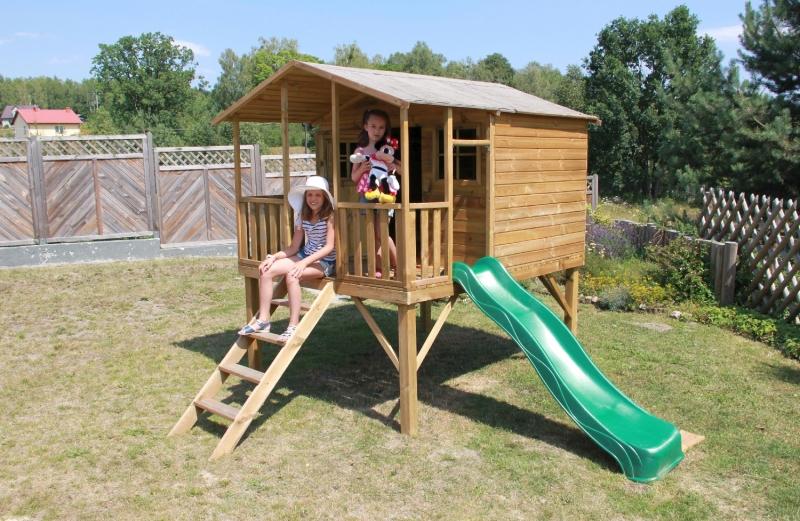 Drewniany domek ogrodowy dla dzieci - Grześ ze ślizgiem