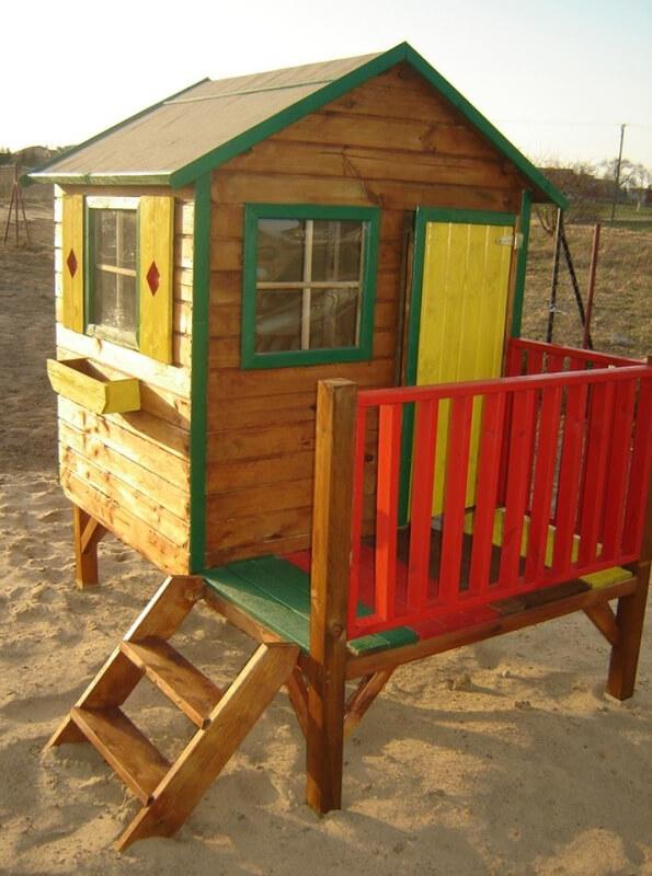 Drewniany domek ogrodowy dla dzieci - Tomek ze ślizgiem